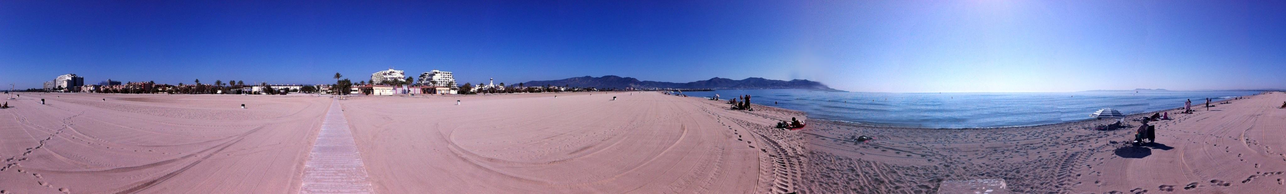 pano-empuria-beach.jpg